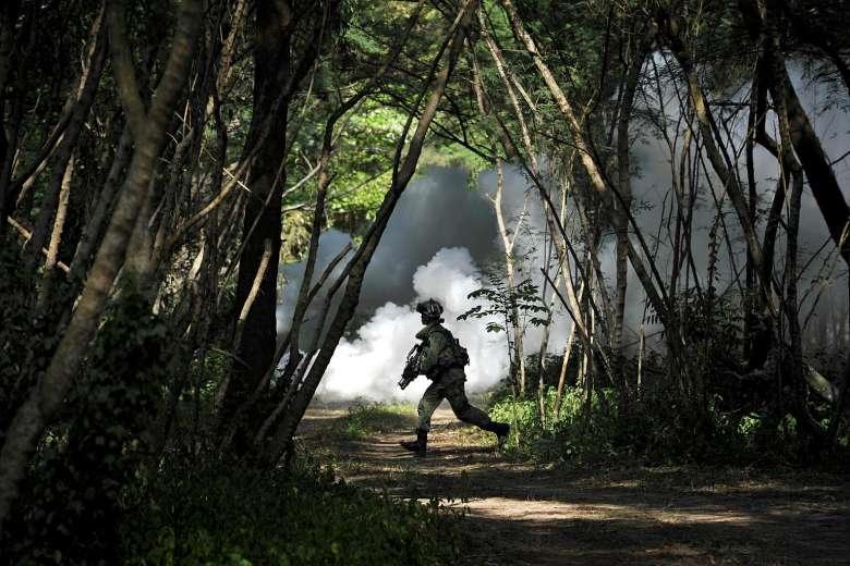 saf-soldier-running